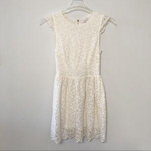 Aritzia Talula cream cap sleeve lace dress